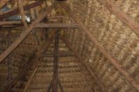 intérieur toit de chaume